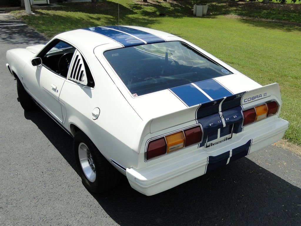 1977 Ford Mustang