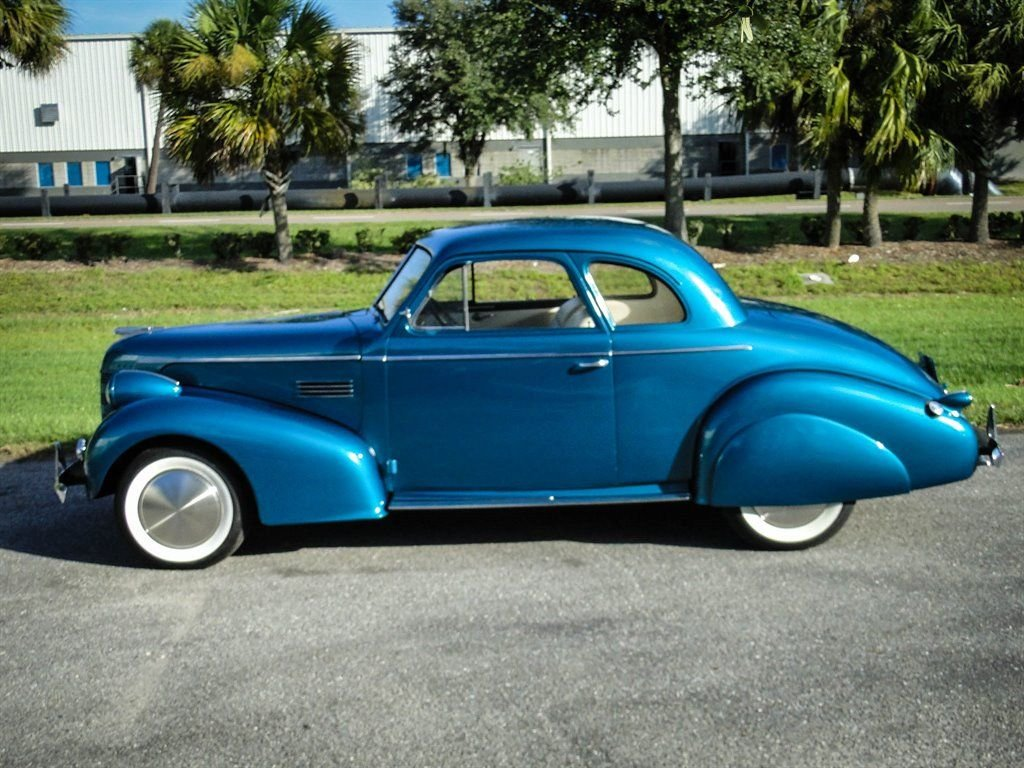 1939 Pontiac Business Coupe