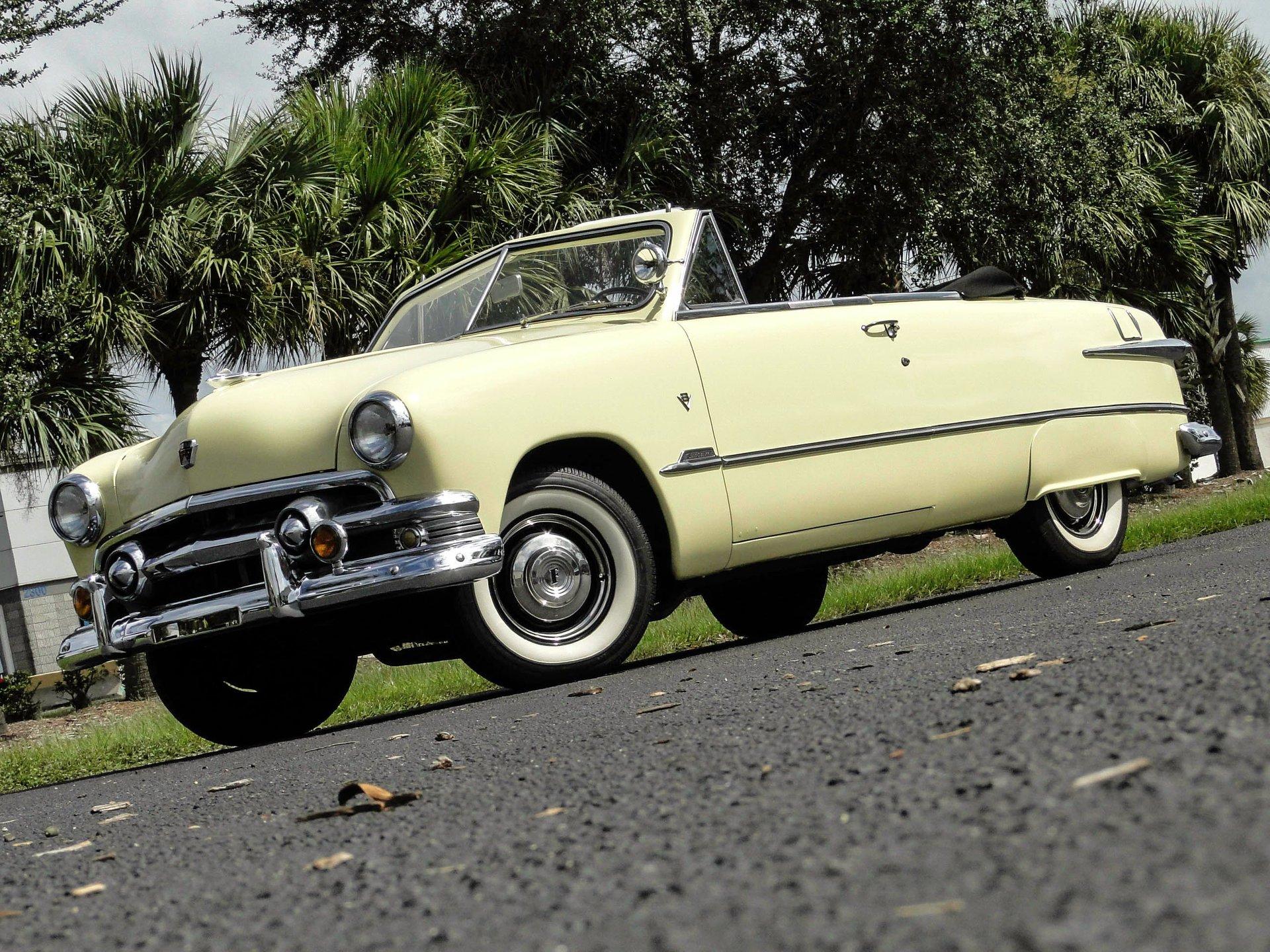 1951 ford deluxe custom