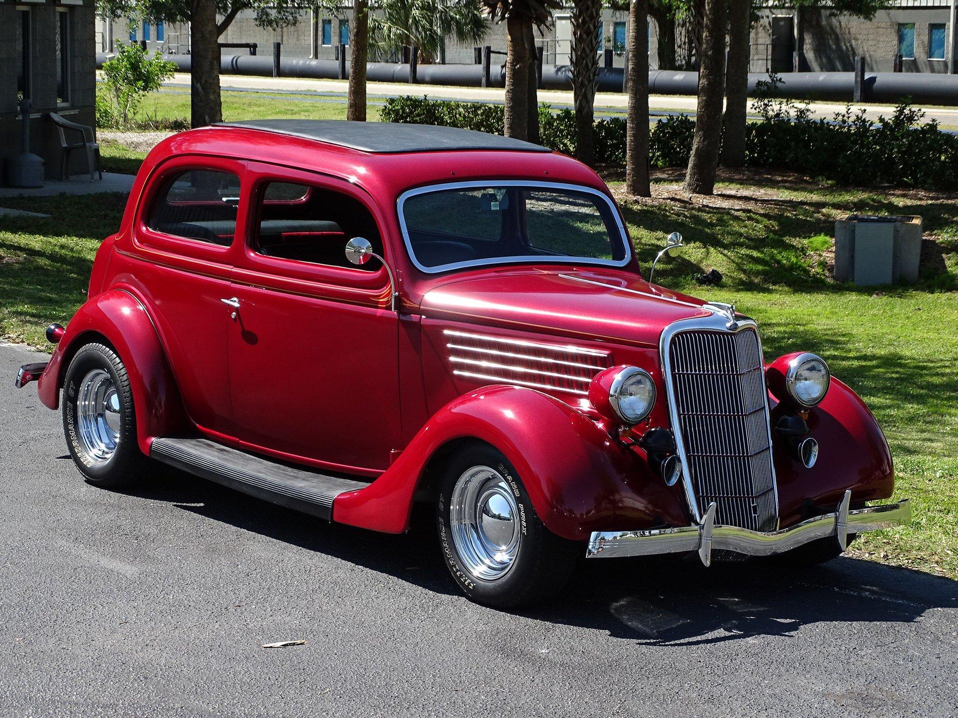 1935 Ford Tudor