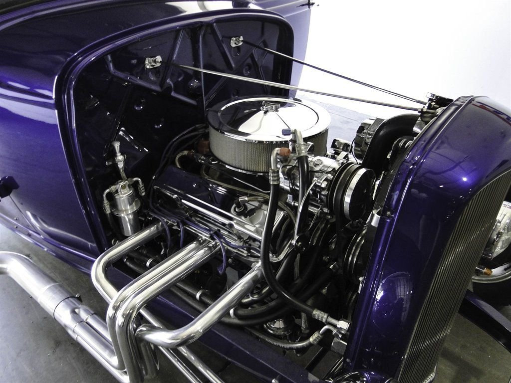 1932 Ford 5 Window