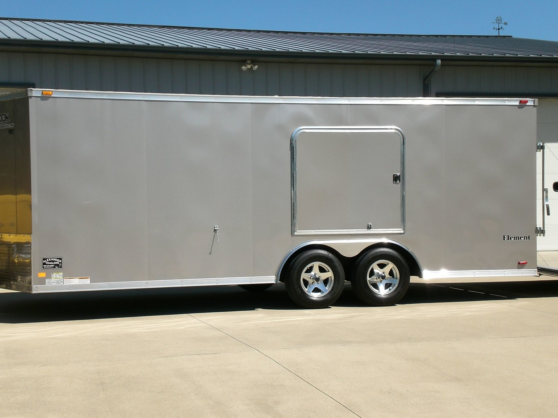 Look 20 ft car hauler