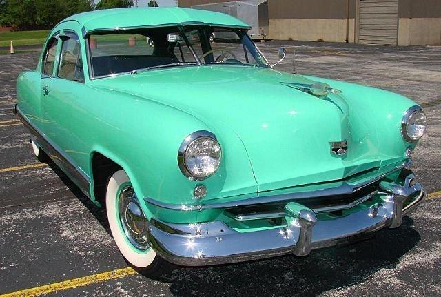 1951 kaiser deluxe 2 dr sedan
