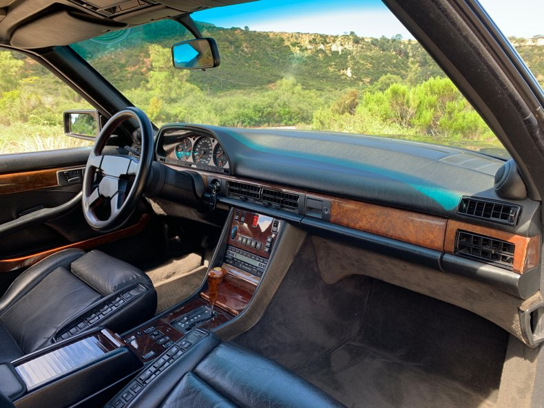 1990 Mercedes-Benz 560SEC 6.0 AMG Widebody
