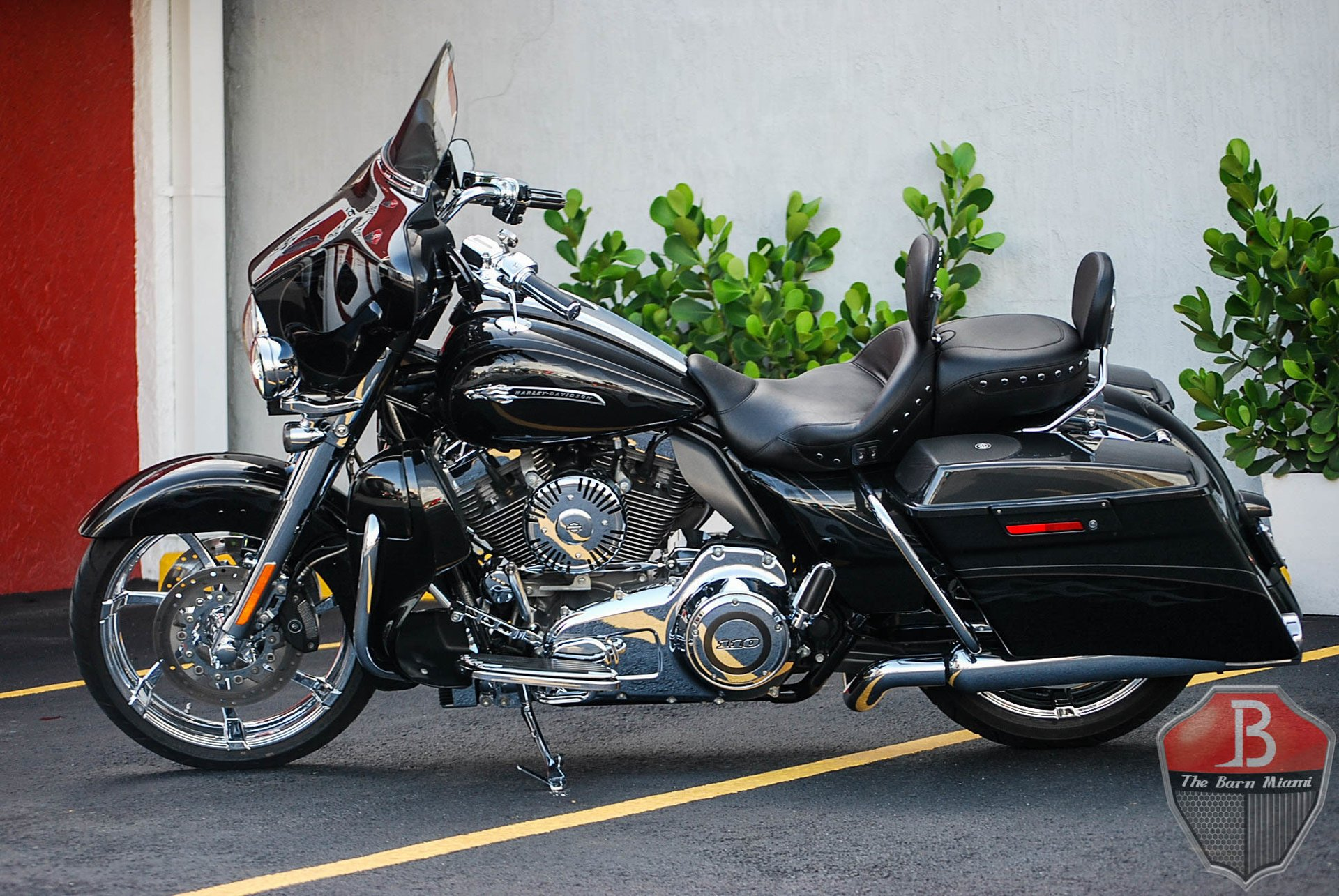 2012 harley davidson cvo street glide custom vehicle operations