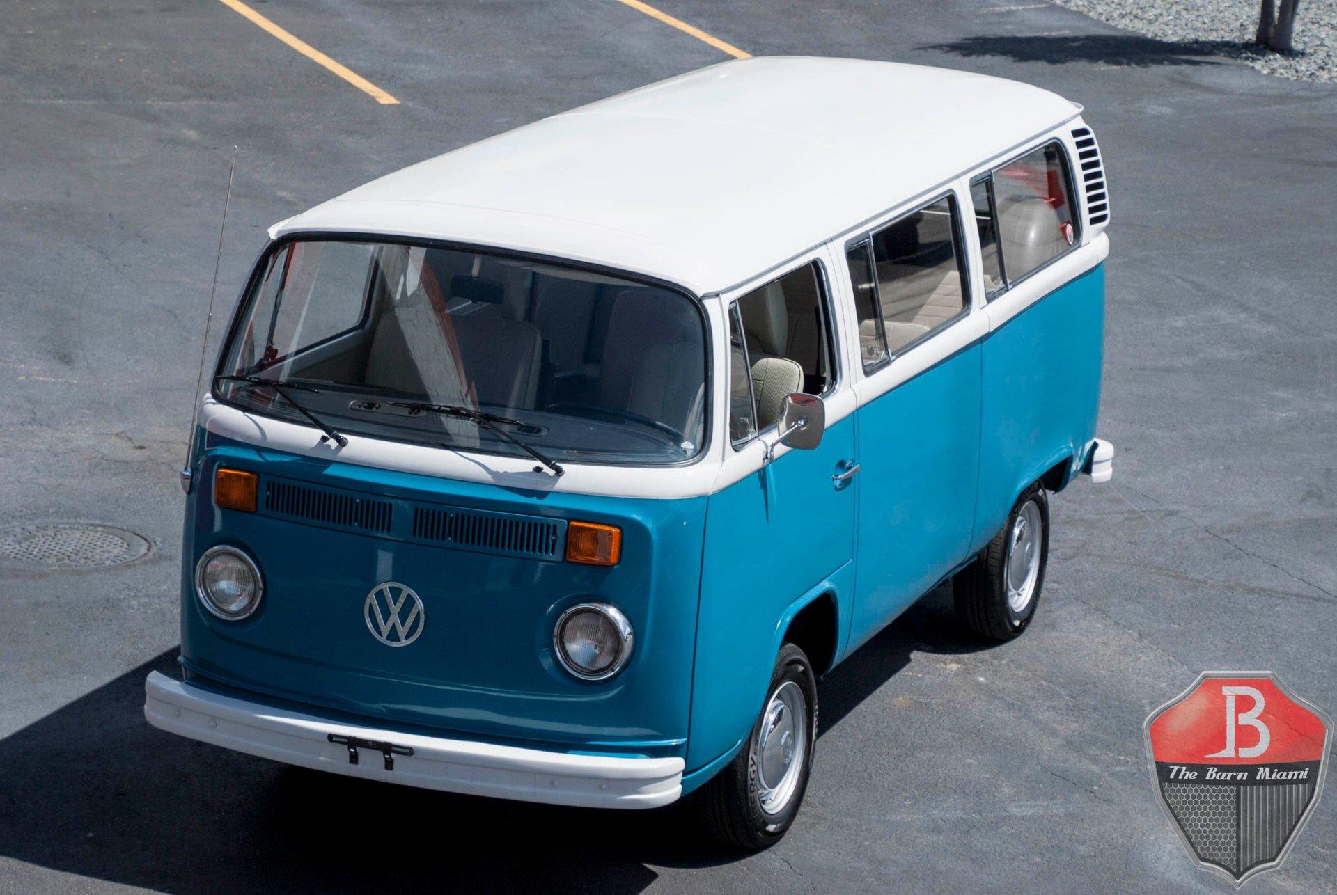 1974 volkswagen microbus t2 bay window bus