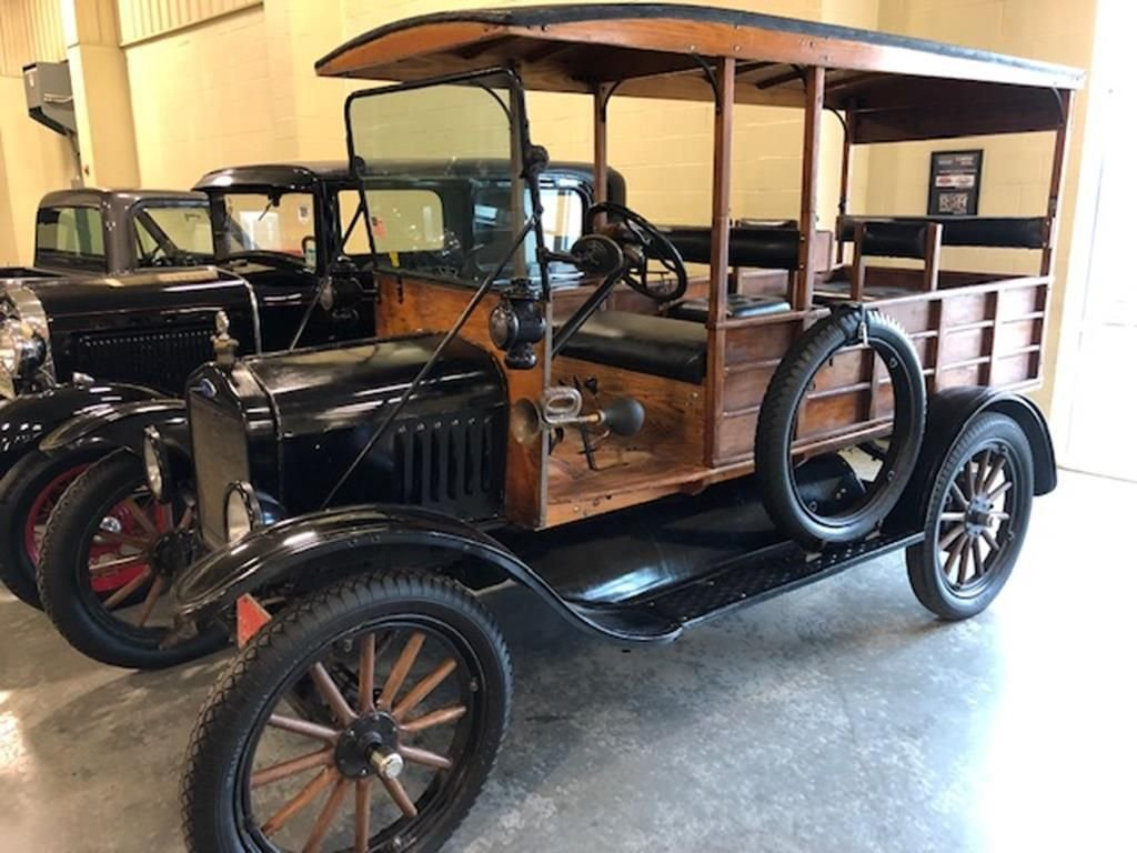 "Auction 1918 Ford Model ""T"" Depot Hack"