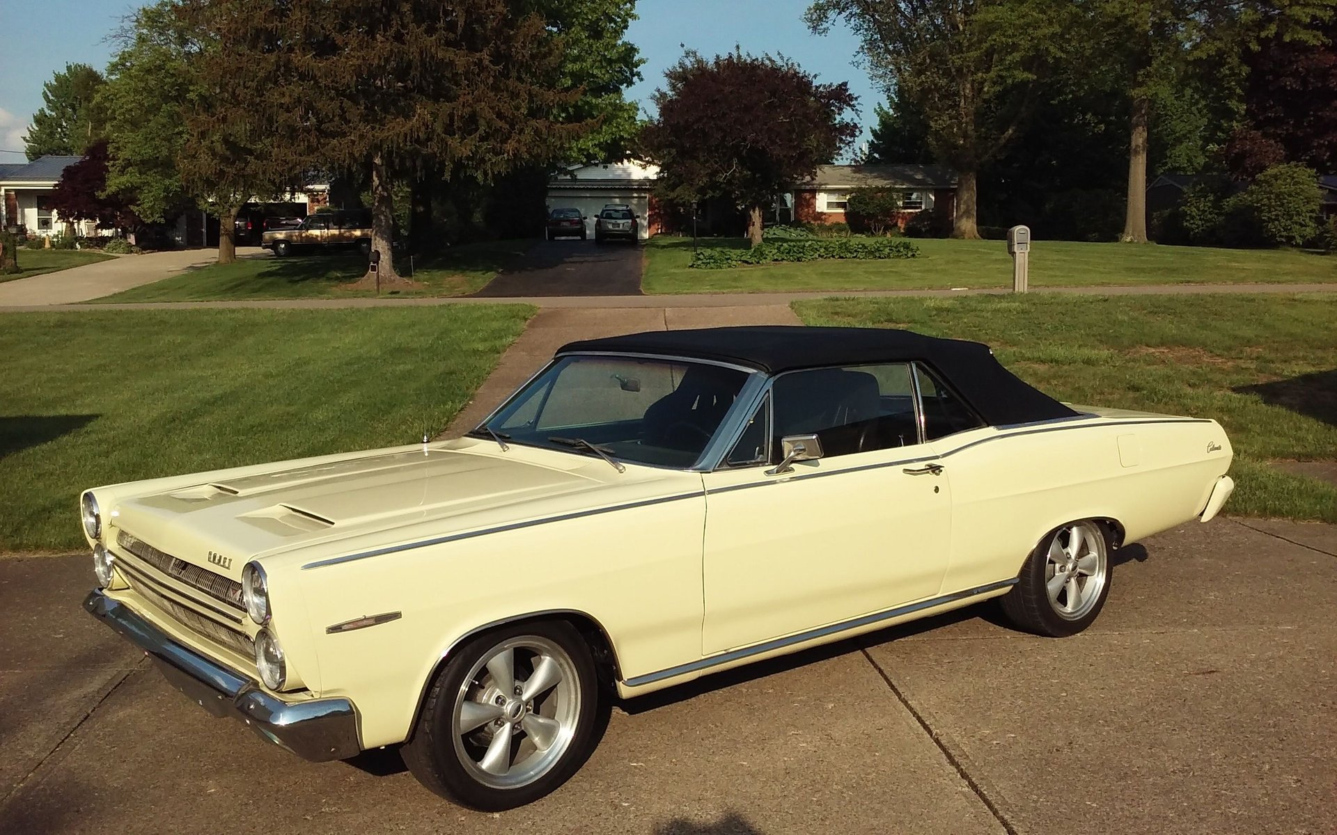 Auction 1966 Mercury Comet Caliente