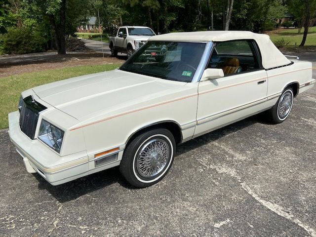 Auction 1982 Chrysler LeBaron