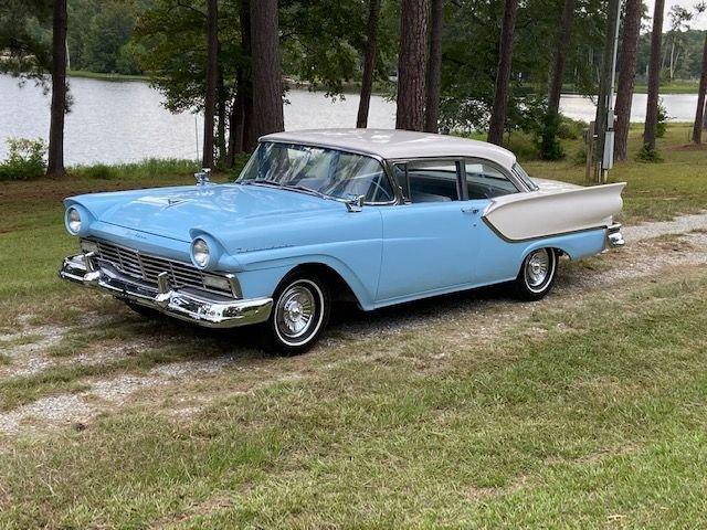 1957 ford club sedan