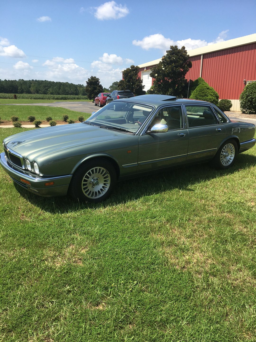 Auction 1995 Jaguar XJ12 Sedan