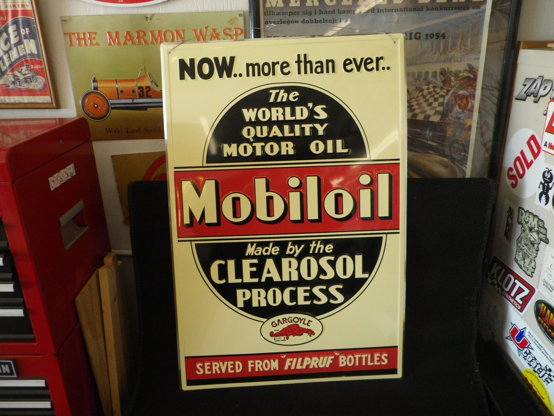 Collectible item mobil oil sign