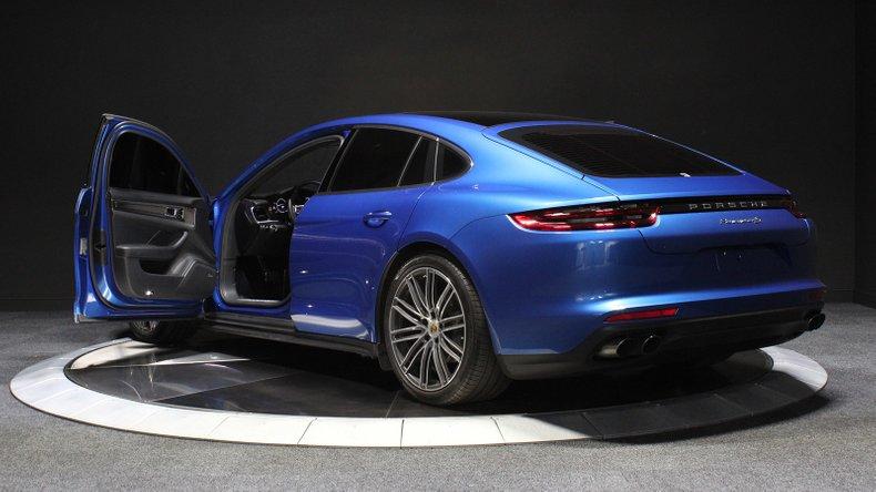 2017 Porsche Panamera