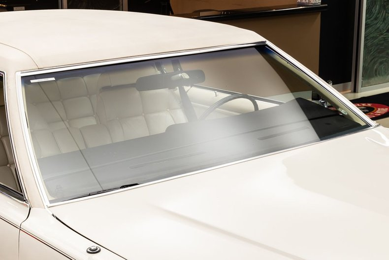 1974 Lincoln Continental 38