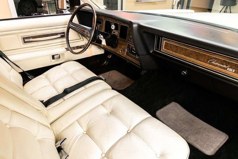 1974 Lincoln Continental 77