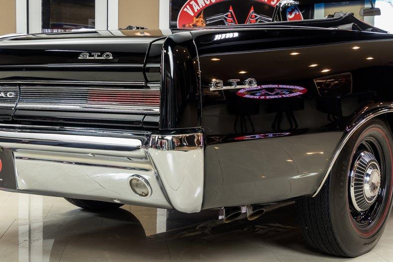 1964 Pontiac GTO 40