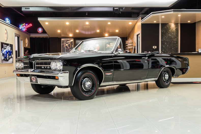 1964 Pontiac GTO 110