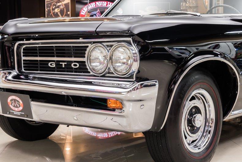 1964 Pontiac GTO 38