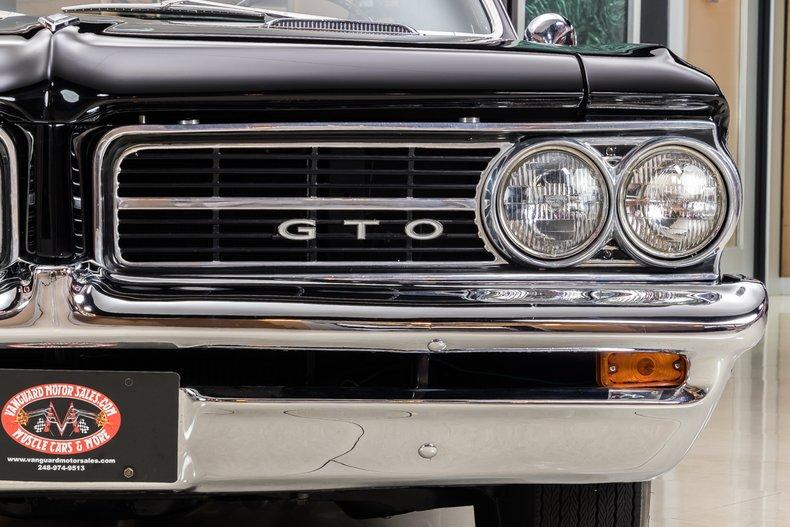 1964 Pontiac GTO 37