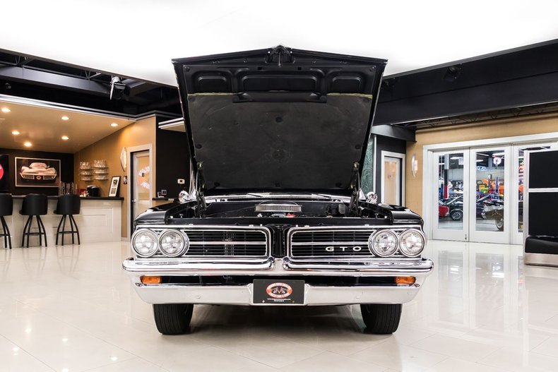 1964 Pontiac GTO 92