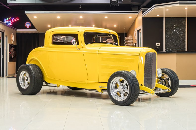 1932 Ford 3-Window 8
