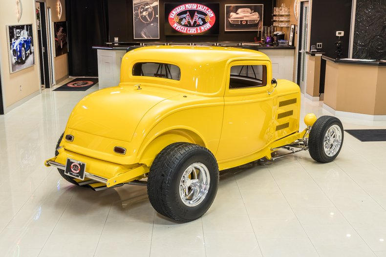 1932 Ford 3-Window 12