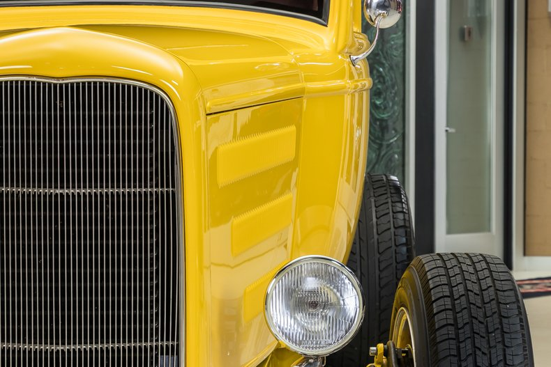 1932 Ford 3-Window 26