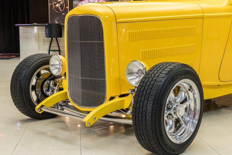 1932 Ford 3-Window 27