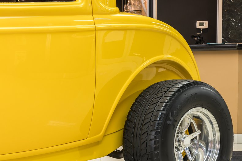 1932 Ford 3-Window 29