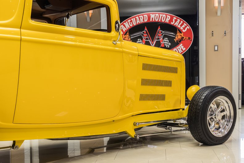 1932 Ford 3-Window 41