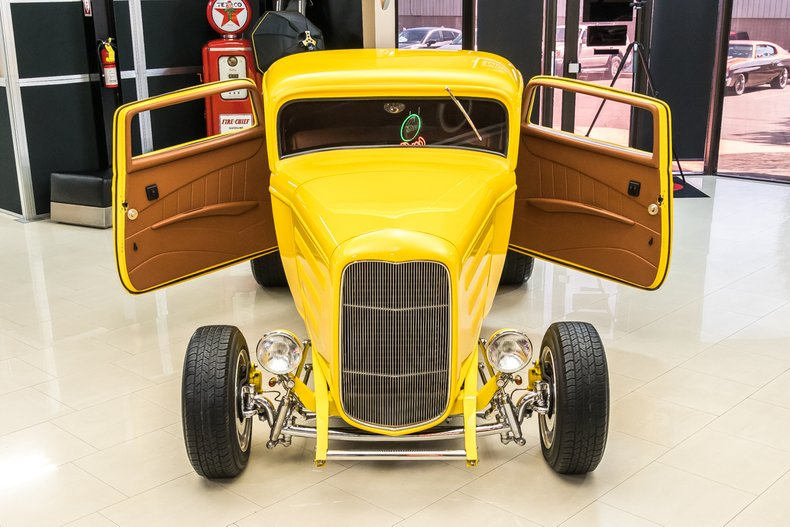 1932 Ford 3-Window 49