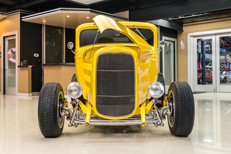 1932 Ford 3-Window 64