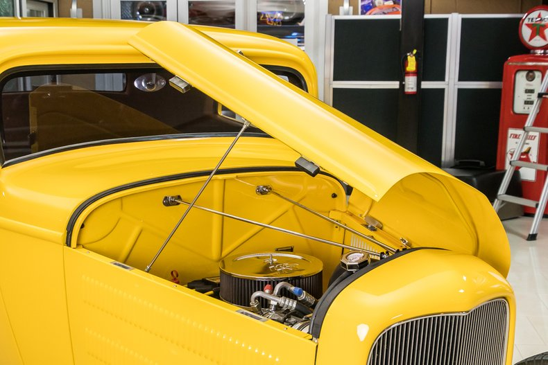 1932 Ford 3-Window 65