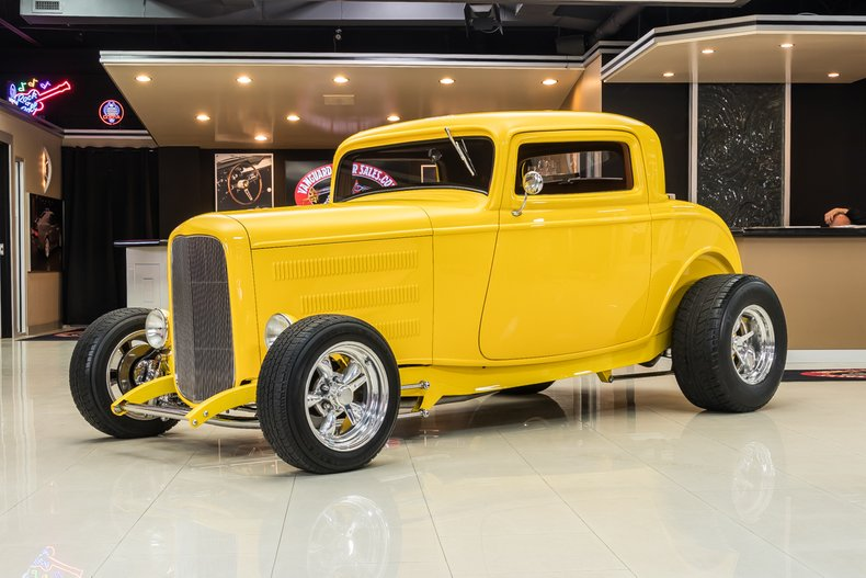 1932 Ford 3-Window 89