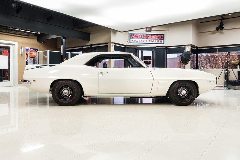 1969 Pontiac Firebird 10