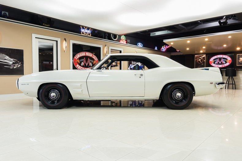 1969 Pontiac Firebird 17