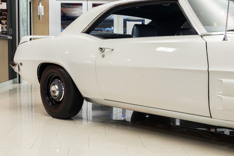 1969 Pontiac Firebird 20