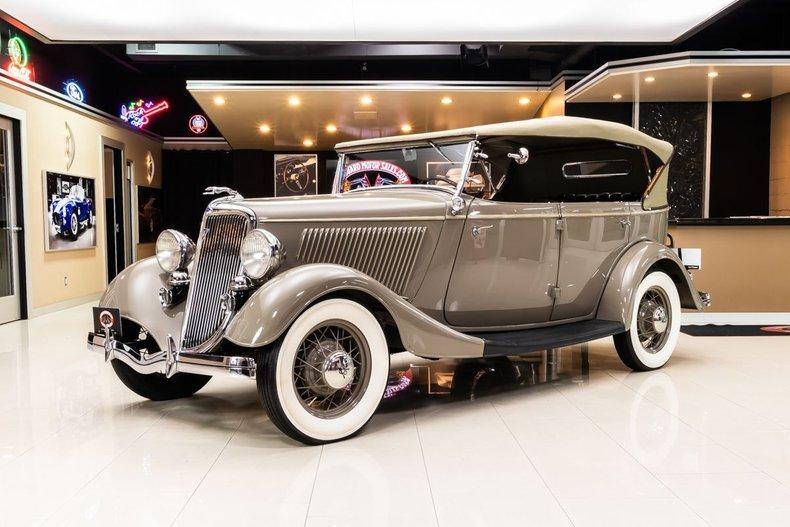 1934 Ford Phaeton 21