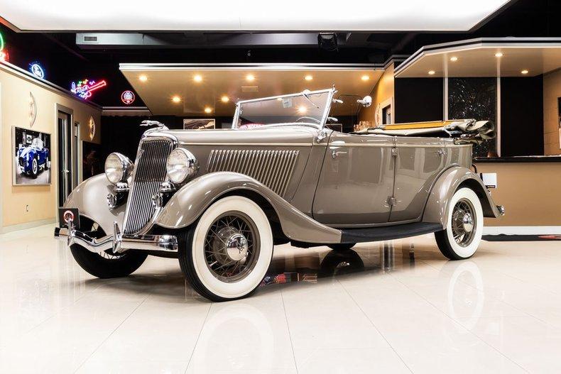 1934 Ford Phaeton 17