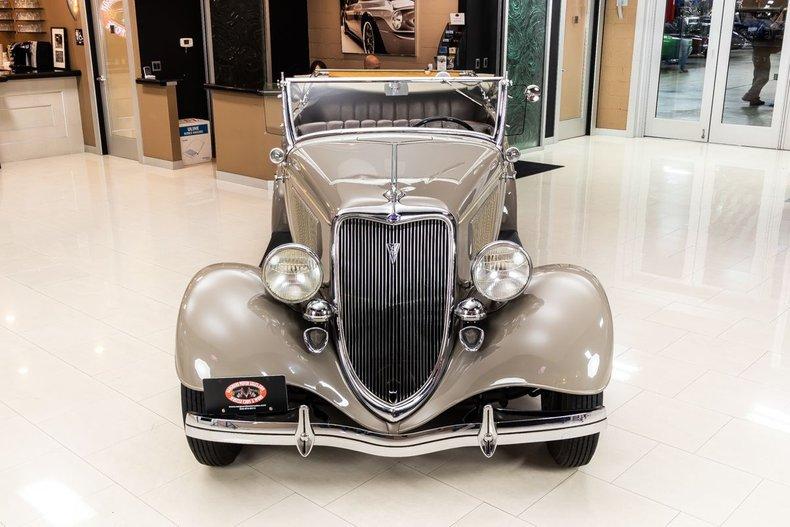 1934 Ford Phaeton 23