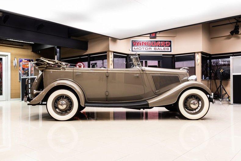 1934 Ford Phaeton 26