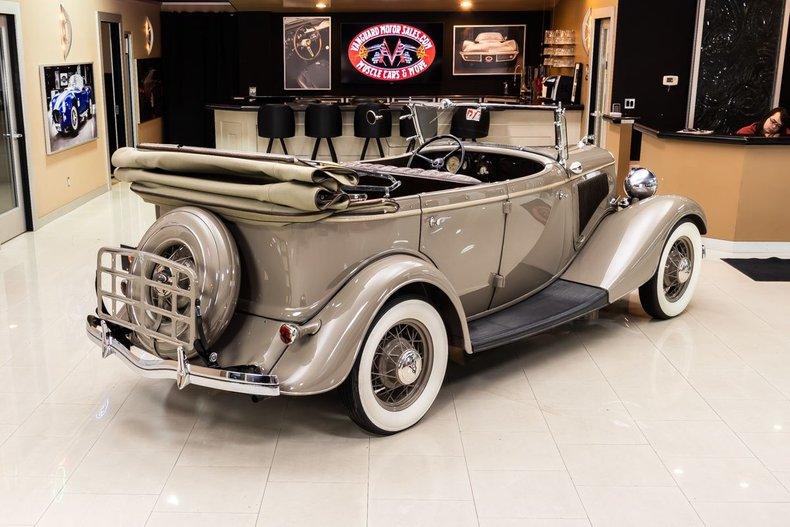 1934 Ford Phaeton 28