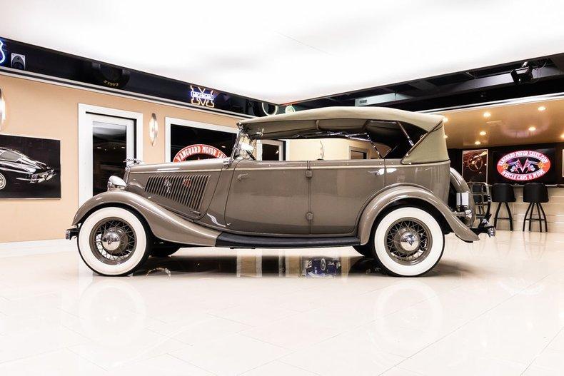 1934 Ford Phaeton 34