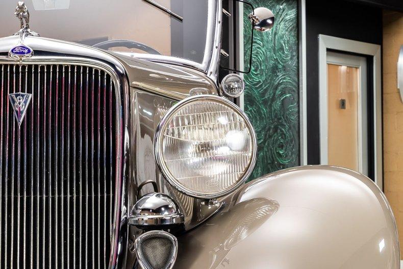 1934 Ford Phaeton 44