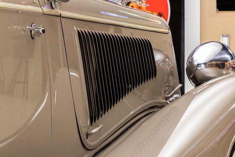 1934 Ford Phaeton 61