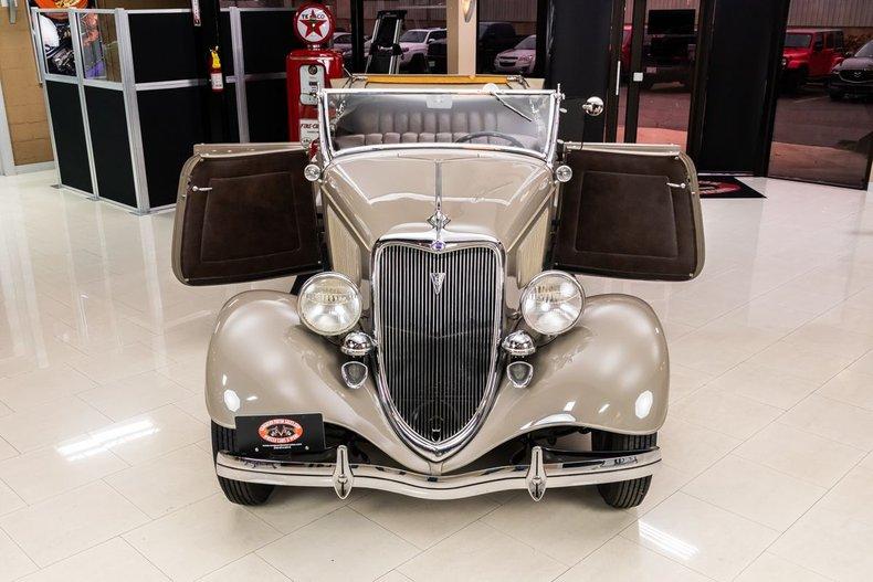 1934 Ford Phaeton 71