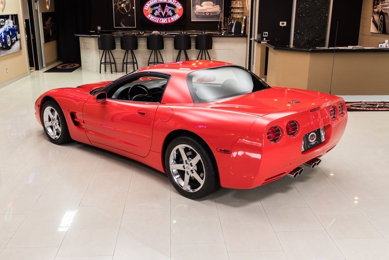 1999 Chevrolet Corvette 16