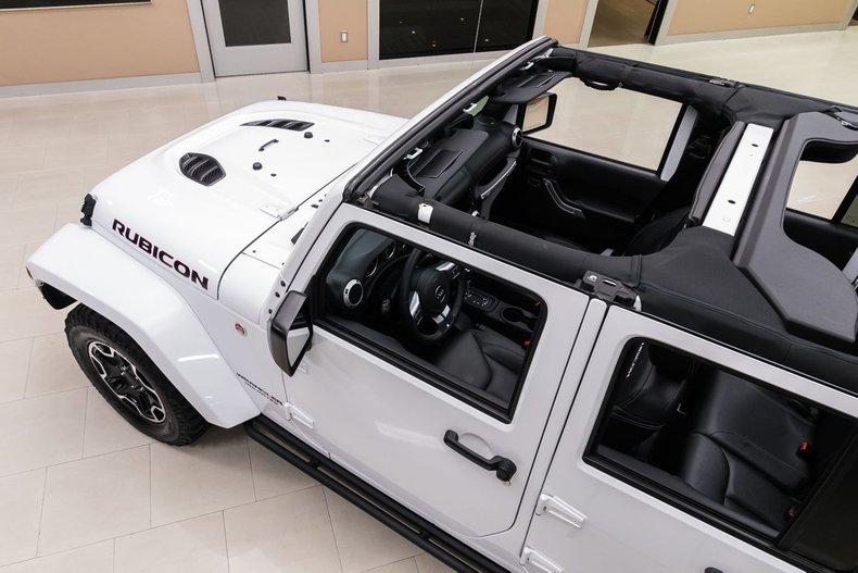 2016 Jeep Wrangler 30