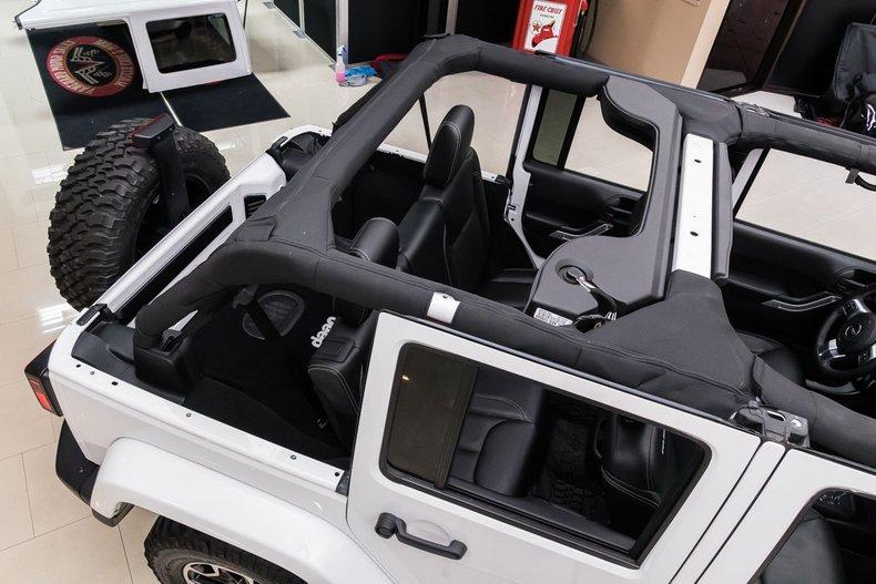 2016 Jeep Wrangler 32