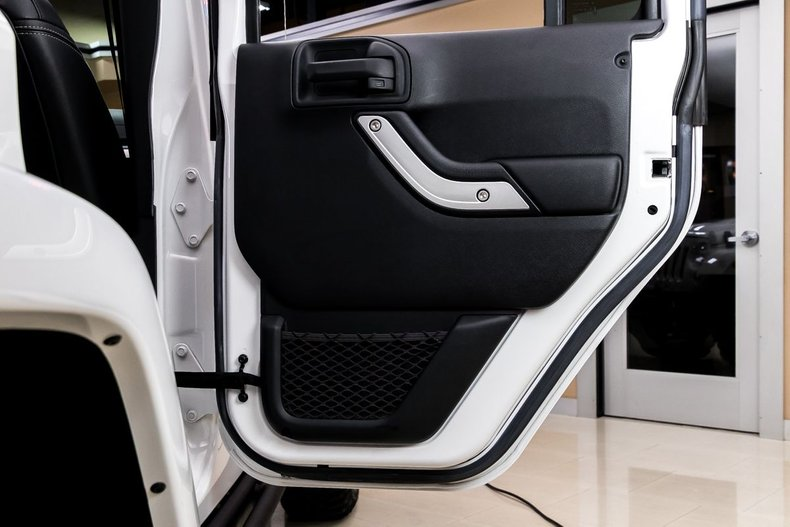 2016 Jeep Wrangler 61